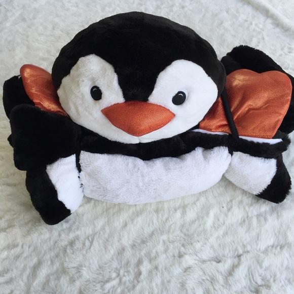 57866d27b023 Animal Adventure Faux Fur Sleeping Bag Penguin. M 5b16fa7f409c157185f71741
